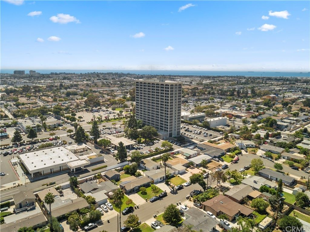 Photo of 657 Beach Street, Costa Mesa, CA 92627 (MLS # OC21208231)