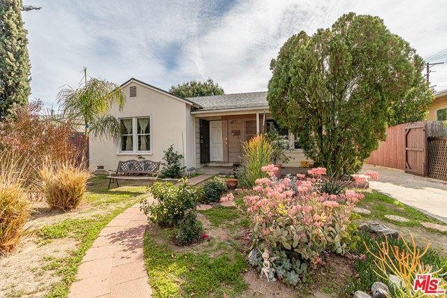 Photo of 11136 Califa Street, North Hollywood, CA 91601 (MLS # 21695232)
