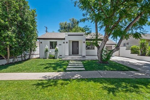 Photo of 5910 Alonzo Avenue, Encino, CA 91316 (MLS # 220007233)