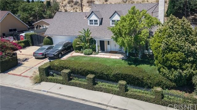 Photo of 12101 Elnora Place, Granada Hills, CA 91344 (MLS # SR21148233)