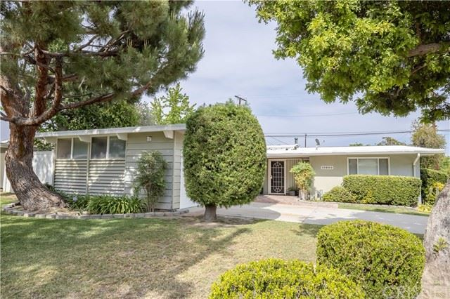 Photo of 10800 Paso Robles Avenue, Granada Hills, CA 91344 (MLS # SR21134234)