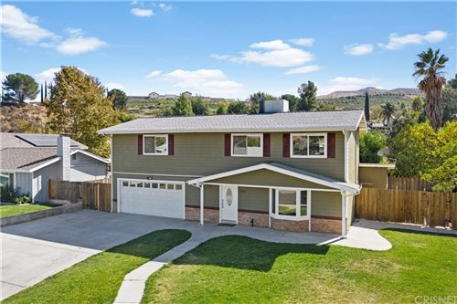 Photo of 18816 Mountain Dale Court, Newhall, CA 91321 (MLS # SR21222235)