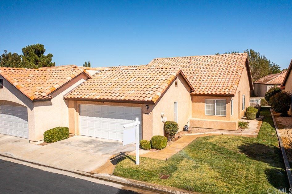 11537 Oak Street, Apple Valley, CA 92308 - MLS#: CV21208235