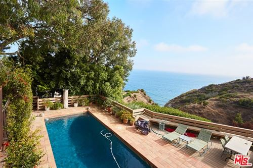 Photo of 20762 ROCKPOINT Way, Malibu, CA 90265 (MLS # 20614236)