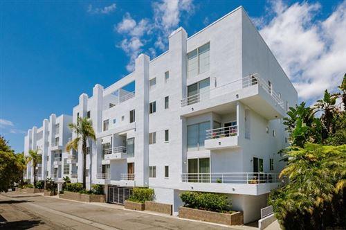 Photo of 520 S Barrington Avenue #101, Los Angeles, CA 90049 (MLS # P1-2236)