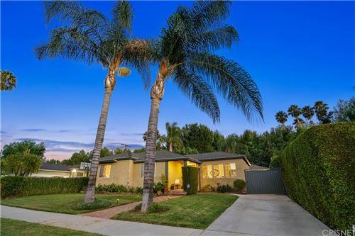 Photo of 18352 Bessemer Street, Tarzana, CA 91335 (MLS # SR21171238)