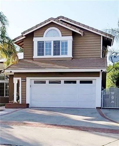 Photo of 29043 Gumtree Place, Saugus, CA 91390 (MLS # SR21194238)