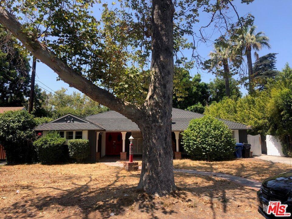 Photo of 5149 Beeman Avenue, Valley Village, CA 91607 (MLS # 21779238)