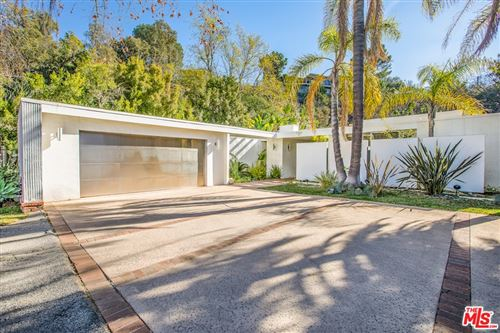 Photo of 590 Evelyn Place, Beverly Hills, CA 90210 (MLS # 21678240)
