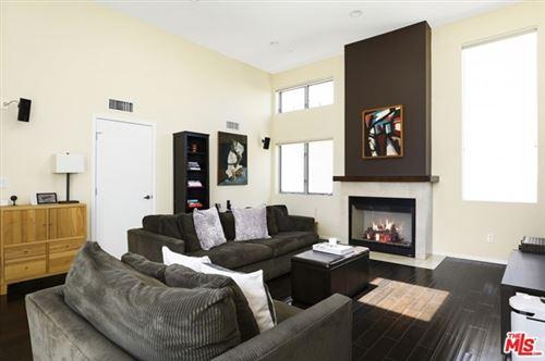Photo of 5940 BARTON Avenue, Los Angeles, CA 90038 (MLS # 21683240)
