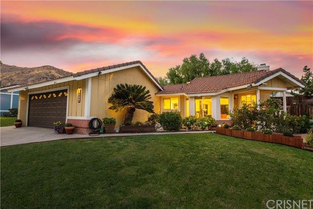 Photo for 14811 Quezada Way, Canyon Country, CA 91387 (MLS # SR20226241)
