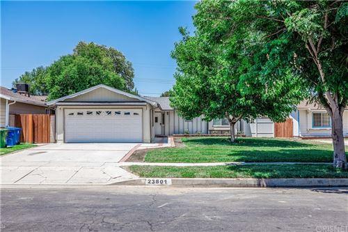 Photo of 23801 Sylvan Street, Woodland Hills, CA 91367 (MLS # SR21160242)