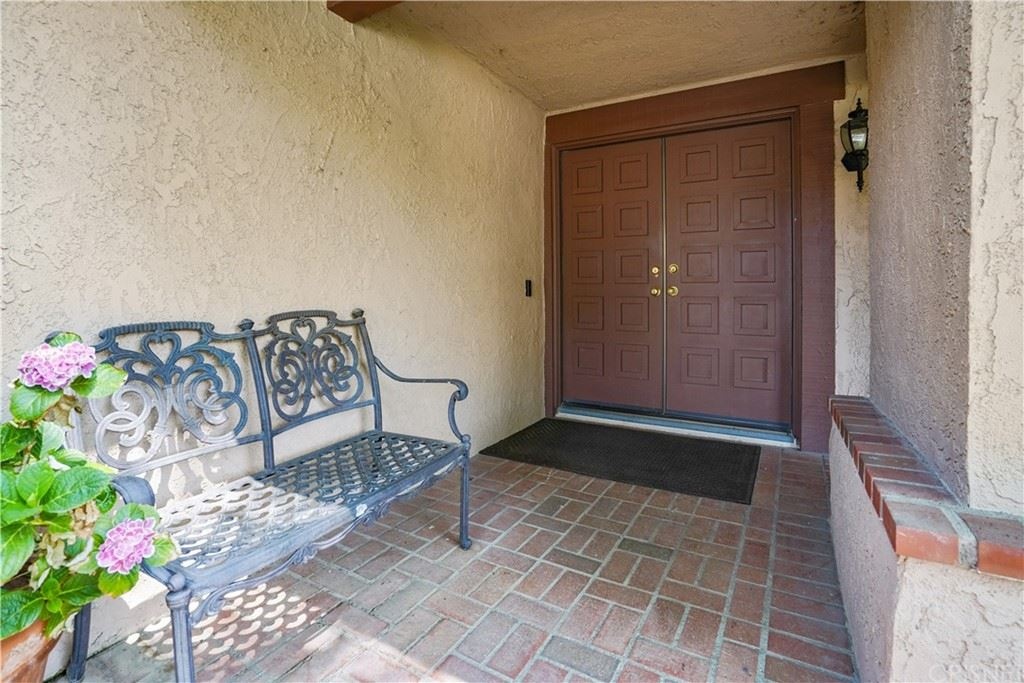 Photo of 17043 Tennyson Place, Granada Hills, CA 91344 (MLS # SR21155242)