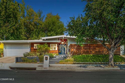 Photo of 24001 Hatteras Street, Woodland Hills, CA 91367 (MLS # 221005243)