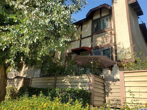 Photo of 21930 Valerio Street #16, Canoga Park, CA 91303 (MLS # 320007243)