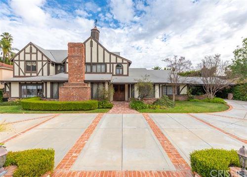 Photo of 4640 Petit Avenue, Encino, CA 91436 (MLS # SR20016244)