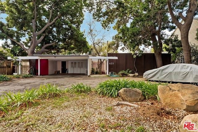 Photo of 625 N Rodeo Drive, Beverly Hills, CA 90210 (MLS # 21675244)