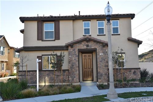 Photo of 27507 Pinecrest Court, Saugus, CA 91350 (MLS # SR20004245)