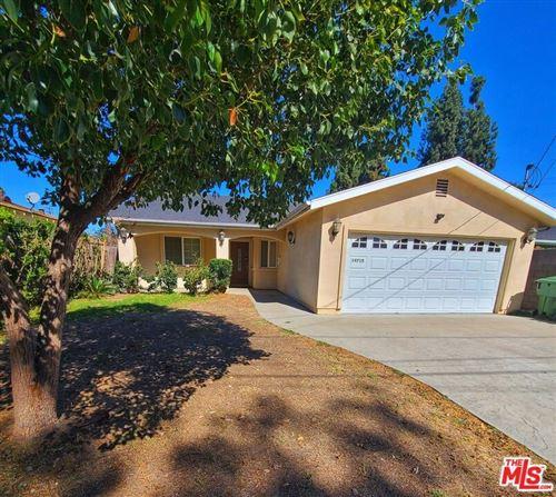 Photo of 14715 Archwood Street, Van Nuys, CA 91405 (MLS # 21798246)