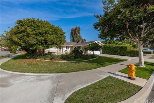 Photo of 15091 Baylor Circle, Huntington Beach, CA 92647 (MLS # LG21131246)