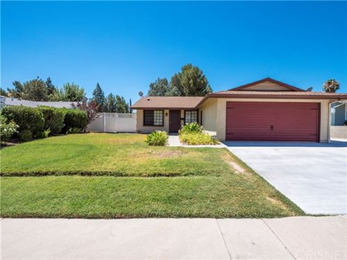 Photo of 14608 Mums Meadow Court, Canyon Country, CA 91387 (MLS # SR20158246)