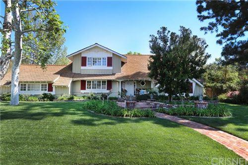 Photo of 9324 Beckford Avenue, Northridge, CA 91324 (MLS # SR21073246)
