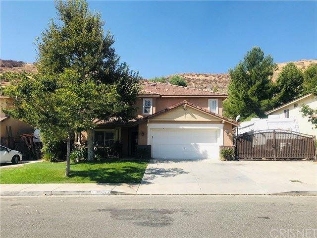 Photo for 32821 Ridge Top Lane, Castaic, CA 91384 (MLS # SR20196246)