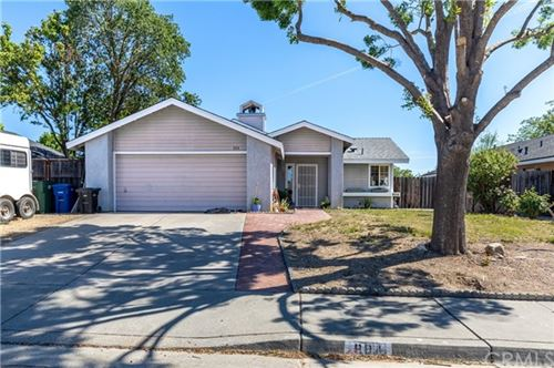 Photo of 804 Crazy Horse Drive, Paso Robles, CA 93446 (MLS # NS21098248)