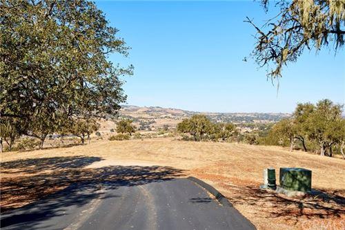 Photo of 2150 Battering Rock Rd. Road, Templeton, CA 93465 (MLS # SP20237248)