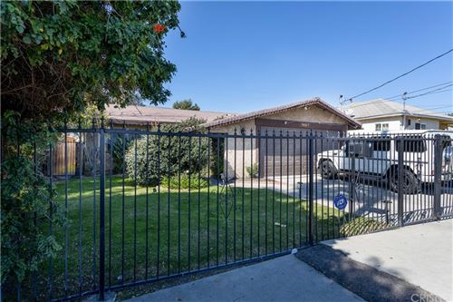 Photo of 7667 Simpson Avenue, North Hollywood, CA 91605 (MLS # SR21038248)