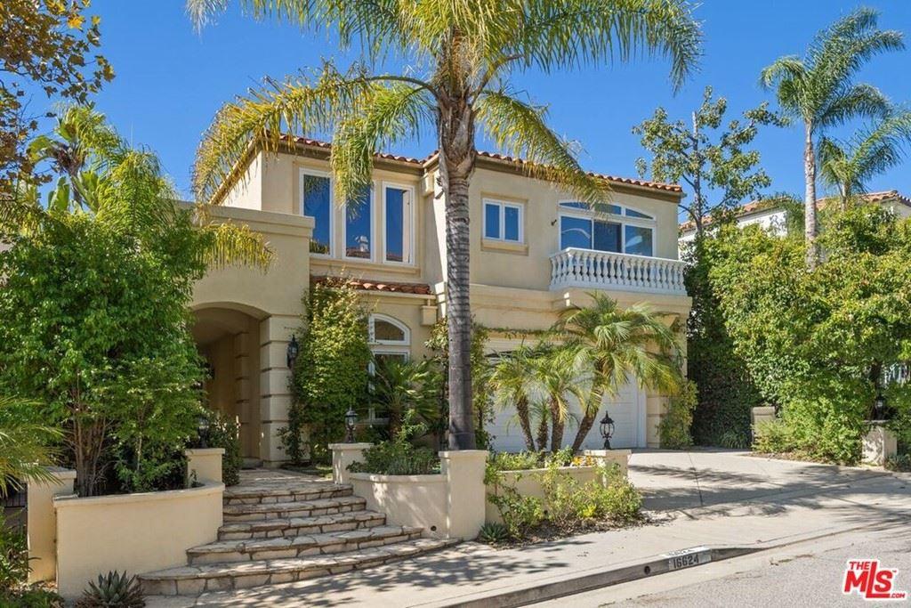 Photo of 16624 Calle Arbolada, Pacific Palisades, CA 90272 (MLS # 21794248)