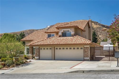 Photo of 28687 Darrow Avenue, Saugus, CA 91390 (MLS # SR20159249)