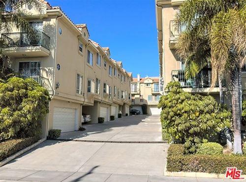 Photo of 2319 Mira Vista Avenue #H, Montrose, CA 91020 (MLS # 20663250)