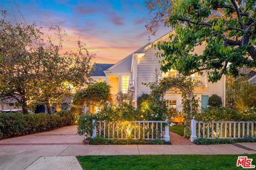 Photo of 349 N Las Casas Avenue, Pacific Palisades, CA 90272 (MLS # 21704250)