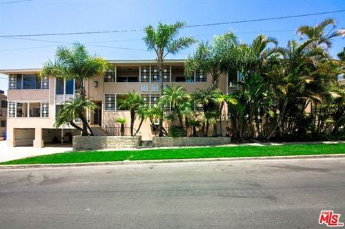 Photo of 10561 Missouri Avenue, Los Angeles, CA 90025 (MLS # 21741250)