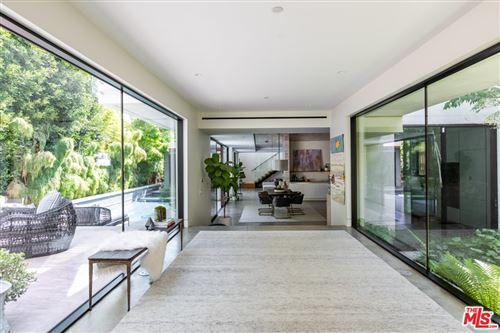 Photo of 3737 Ocean View Avenue, Los Angeles, CA 90066 (MLS # 21761250)