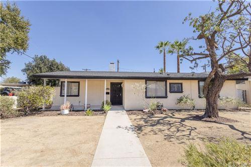 Photo of 10854 Hayvenhurst Avenue, Granada Hills, CA 91344 (MLS # SR21203250)