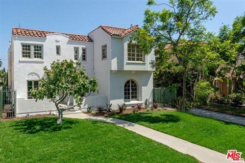 Photo of 890 S Bronson Avenue, Los Angeles, CA 90005 (MLS # 21701252)