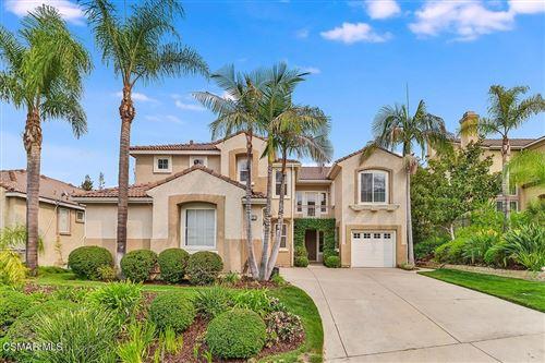 Photo of 552 Green Mountain Street, Simi Valley, CA 93065 (MLS # 221005252)