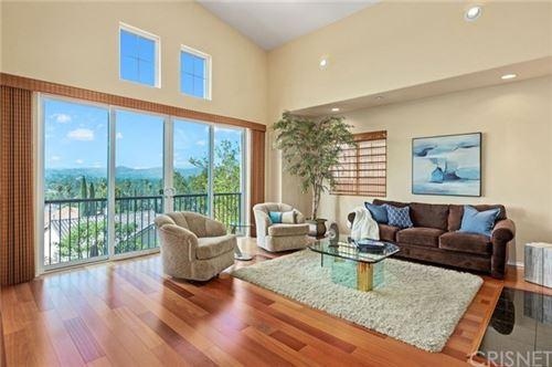 Photo of 5711 Como Circle, Woodland Hills, CA 91367 (MLS # SR20223253)