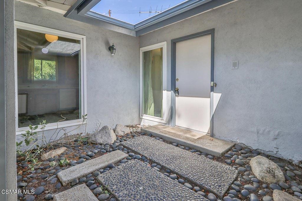 Photo of 2130 Saxe Court, Thousand Oaks, CA 91360 (MLS # 221005253)