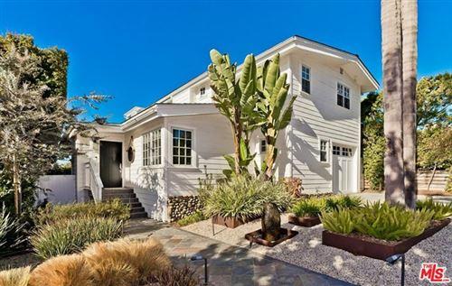 Photo of 623 Las Lomas Avenue, Pacific Palisades, CA 90272 (MLS # 20668254)