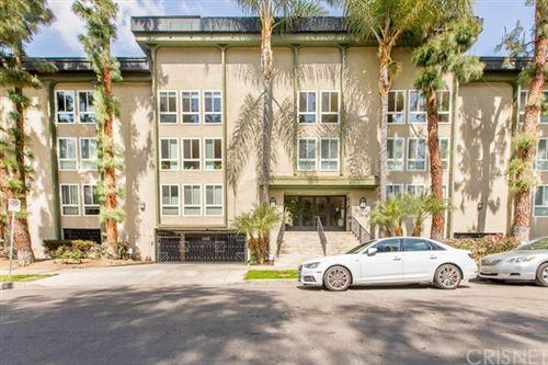 Photo of 4407 Francis Avenue #105, Los Angeles, CA 90005 (MLS # SR21059254)