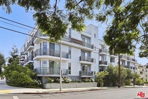 Photo of 900 S Westgate Avenue #PH4, Los Angeles, CA 90049 (MLS # 20659256)