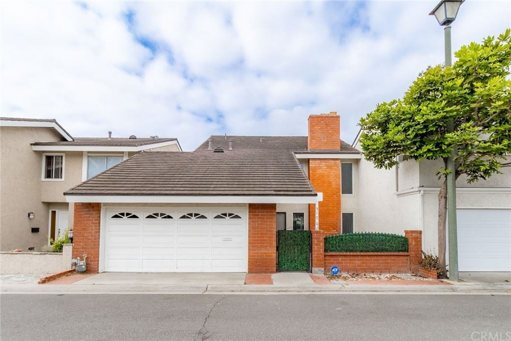 Photo of 5176 Piccadilly Circle, Westminster, CA 92683 (MLS # LG21194256)