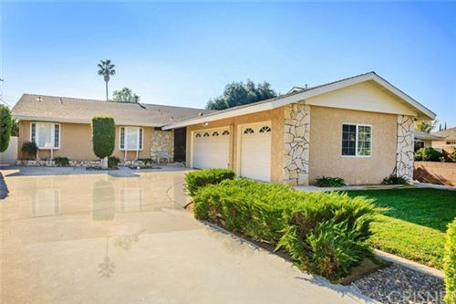 Photo of 18932 Ballinger Street, Northridge, CA 91324 (MLS # SR20245257)