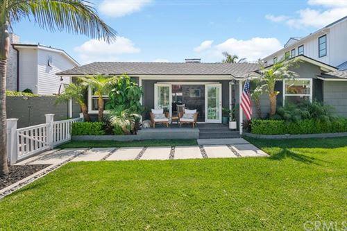 Photo of 309 Kings Place, Newport Beach, CA 92663 (MLS # OC21140258)