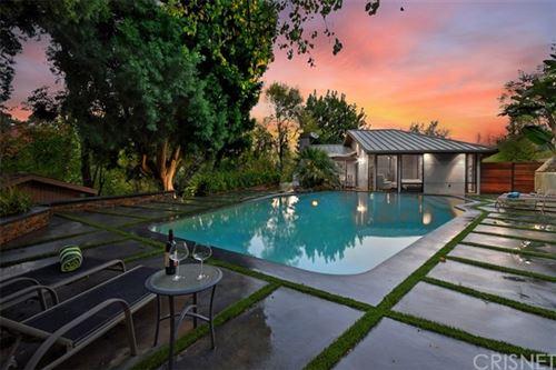 Photo of 3217 Oakley Drive, Hollywood Hills, CA 90068 (MLS # SR20249258)