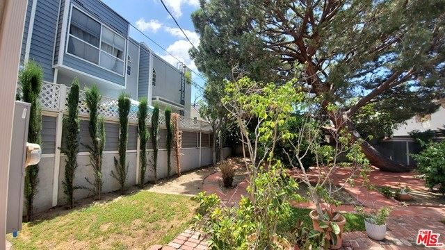 Photo of 10810 PEACH GROVE Street, North Hollywood, CA 91601 (MLS # 20583258)