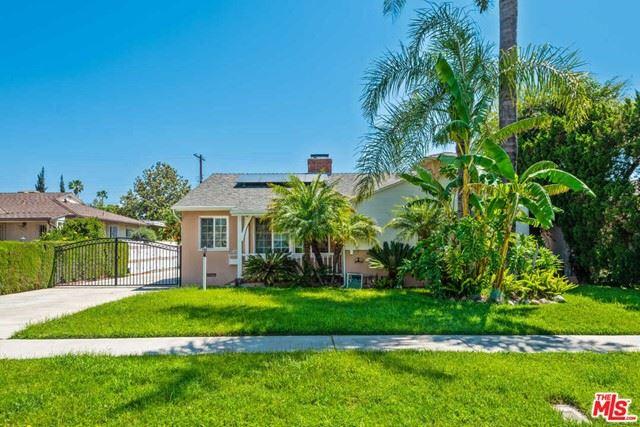 Photo of 5824 Radford Avenue, Valley Village, CA 91607 (MLS # 21746260)